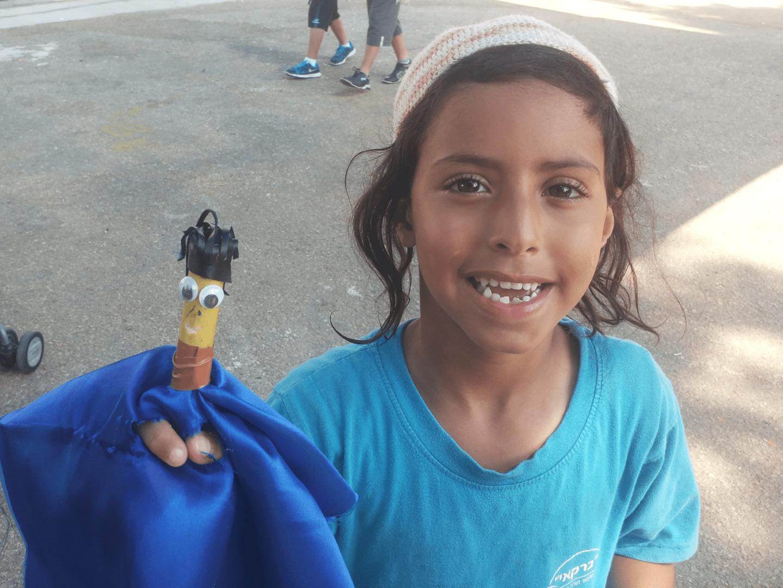 סדנת יצירה לילדים להכנת בובות תיאטרון מבמבוק